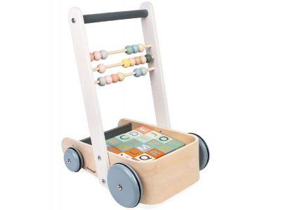 Janod kolica na guranje sa kockama Sweet Cocoon.Prelepa kolica na povlačenje,modernih boja, napravljena tako da pomognu razvoj motoričkih veština mališana.