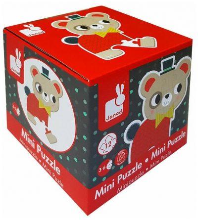 Janod mini kartonske puzzle upoznaće decu sa svetom šumskih životinja. Mini kartonska slagalica za motivom mede sastoji od 12 elemenata.
